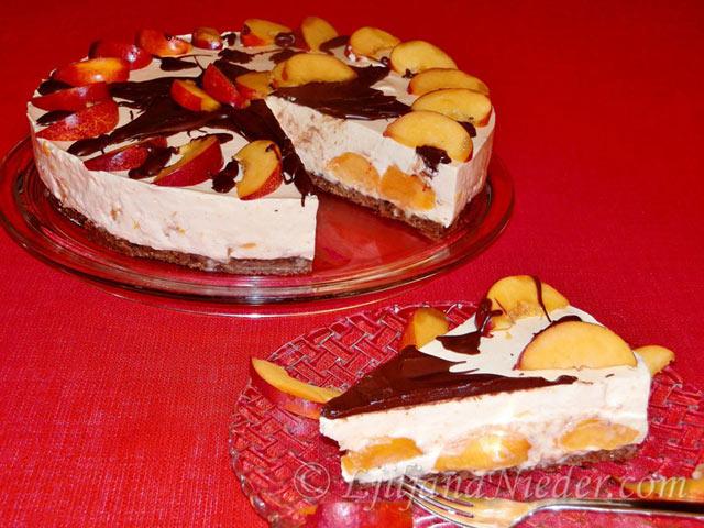 Torta od jogurta i nektarina