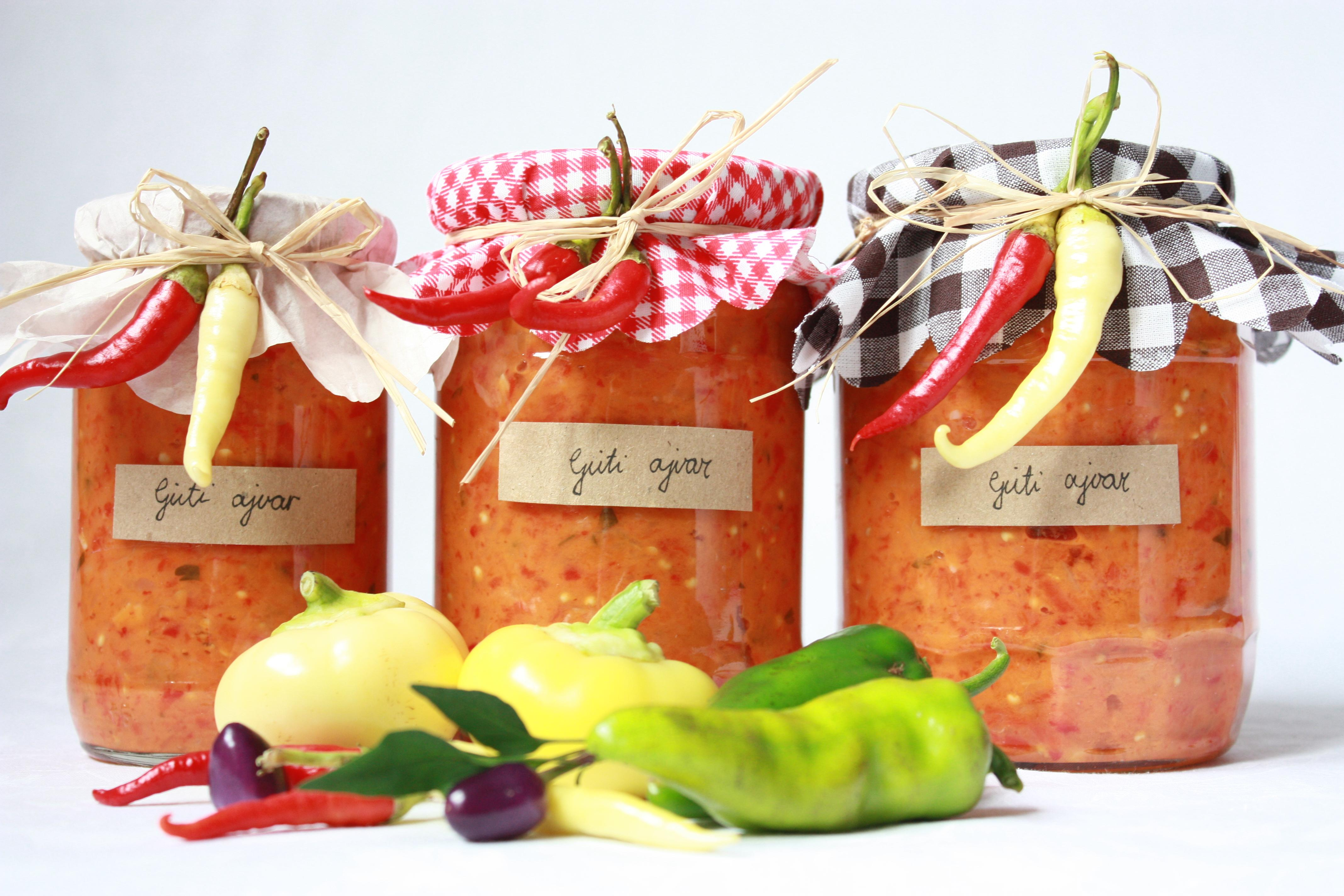 Ljuti ajvar od paprike paradajzerice