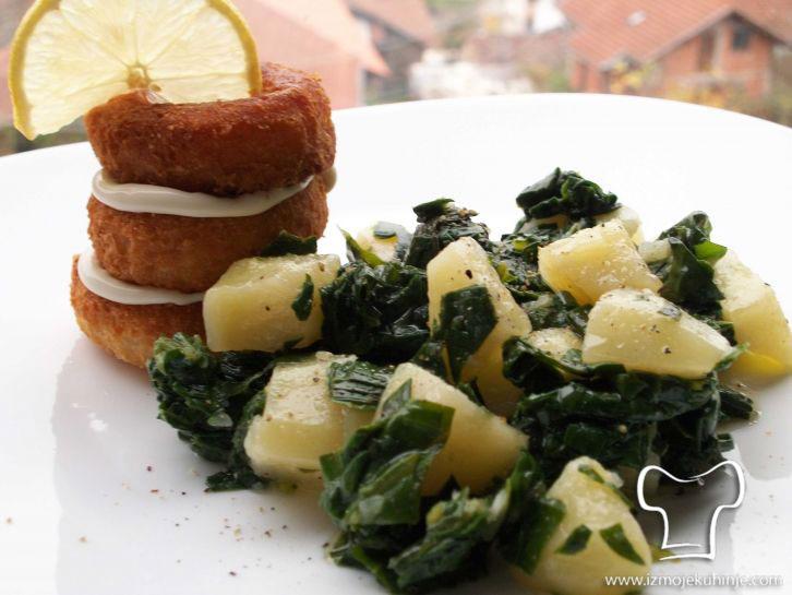 Salata od blitve i panirane lignje