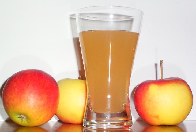 Domaći sirup od jabuka