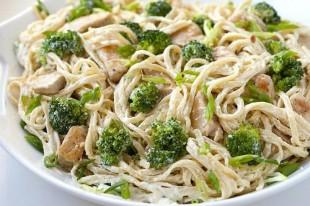 spagete-sa-brokulom-i-piletinom