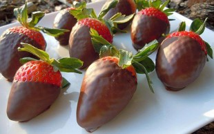 Čokoladni-poljupci-sa-jagodom