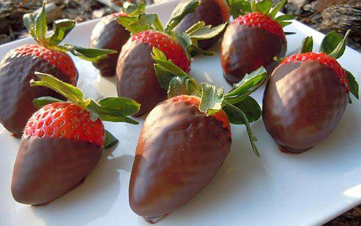 Čokoladni poljupci sa jagodom