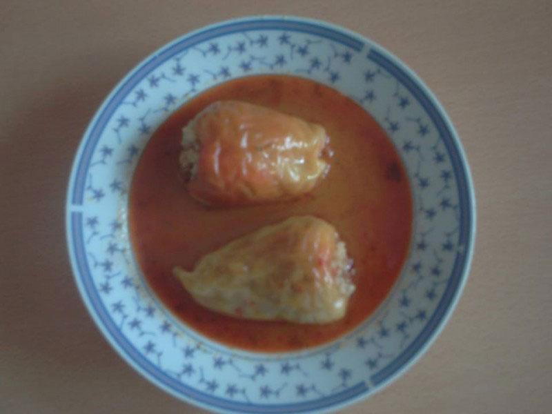 Punjene paprike u sosu