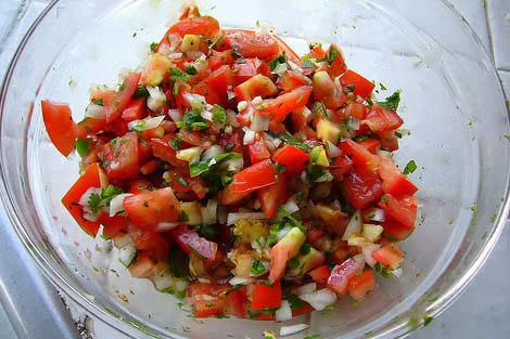 Salata sa paradajzom