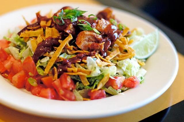 Meksička salata sa piletinom