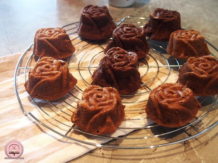 Sočni čokoladni muffini u obliku ruža