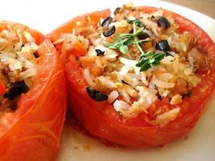 paradajz-punjen-rizom1