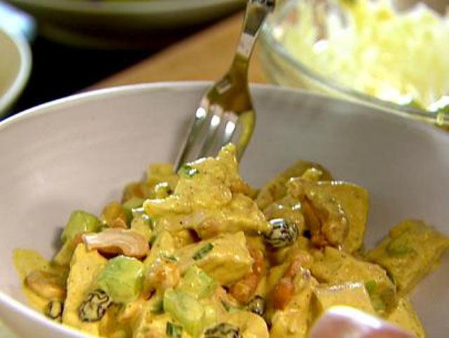 Pileća curry salata