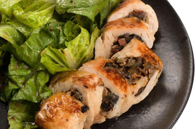 Piletina punjena gljivama i slaninom