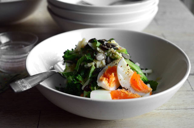 Salata od brokule i jaja