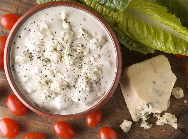 Preljev za salatu od plavog sira