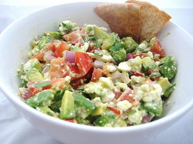 Avocado salata