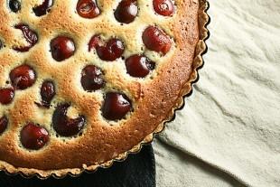 francuski-kolac-sa-tresnjama1