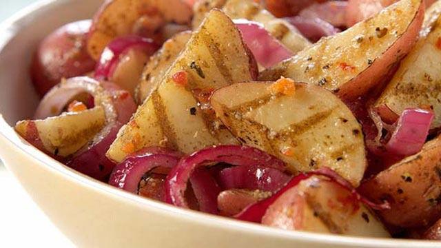 Krompir i luk sa roštilja