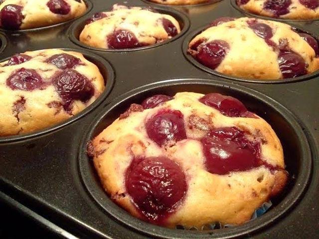 Muffini sa višnjama i čokoladom