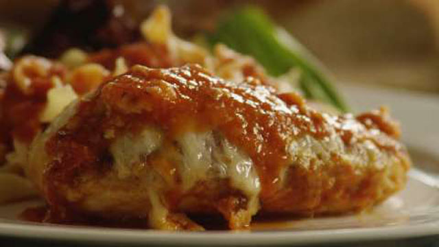 Piletina sa paradajzom i mozzarellom