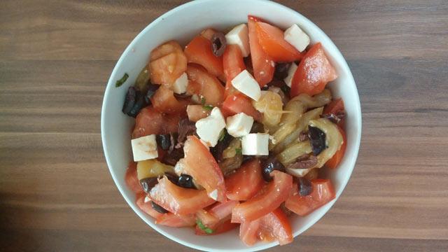 Salata od paprika i paradajza