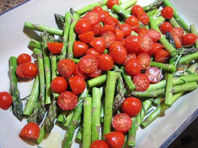 Šparoge sa paradajzom