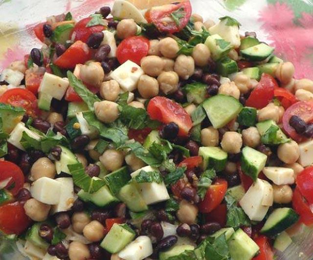 Grčka salata sa leblebijama