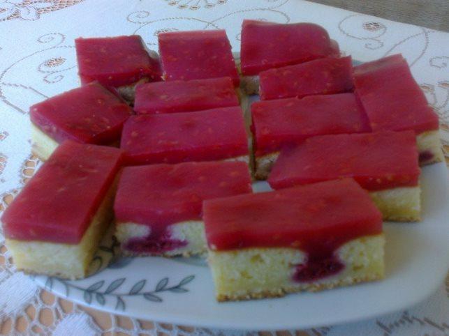 Lagani voćni kolač sa malinom