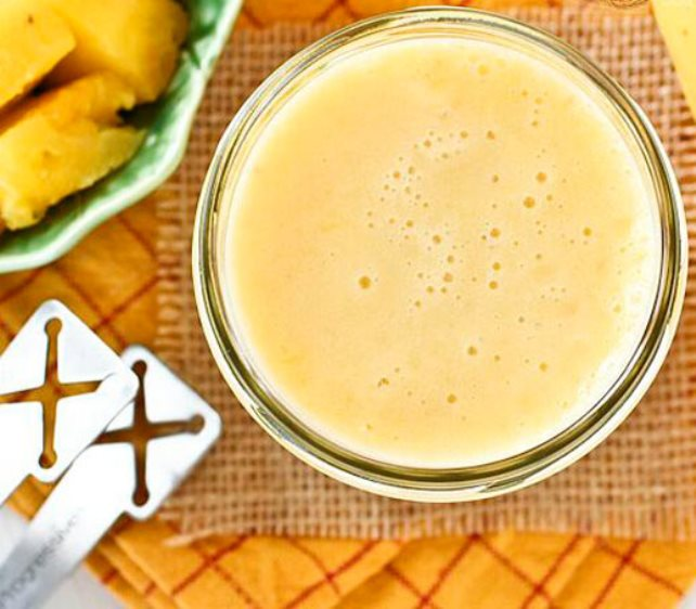 Napitak od ananasa i banane