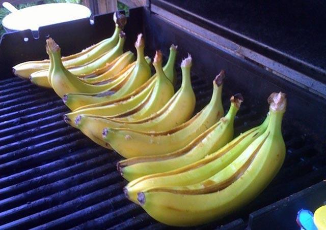 Banane sa roštilja