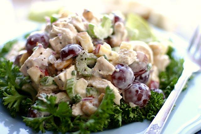 Hrskava pileća salata