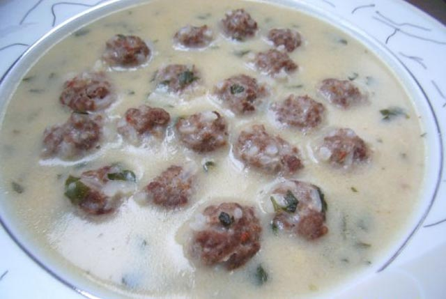 Okruglice u bijelom sosu