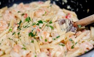 tjestenina-u-bijelom-sosu-sa-kozicama1