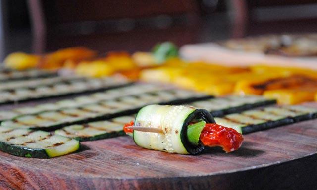 Zamotuljci od tikvice i paprika