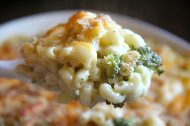Zapečena tjestenina sa sirom i brokulom