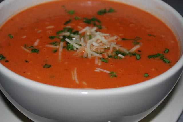 Čorba od paradajza sa bosiljkom