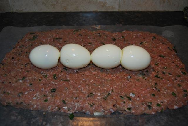 Mesna štruca punjena jajima