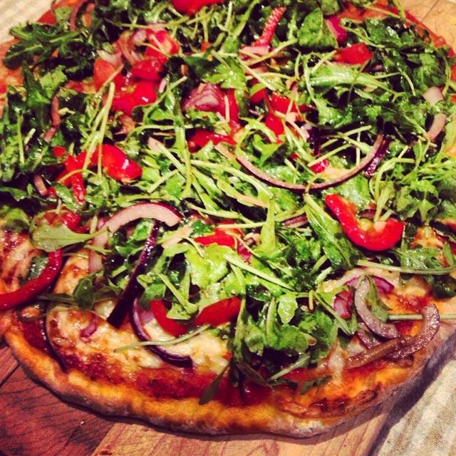 Pizza sa rukola salatom