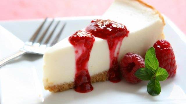Cheesecake sa preljevom od maline