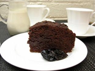 cokoladni-kolac-sa-sljivama1