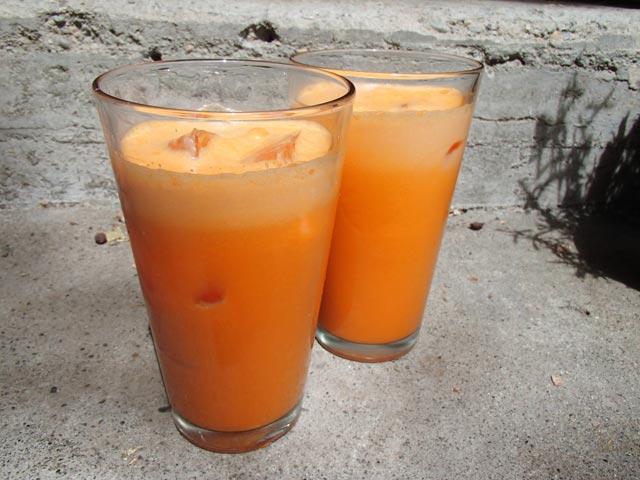 Domaći jabuka-mrkva sok