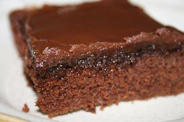 Čokoladni kolač sa glazurom