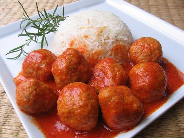 Okruglice u crvenom sosu