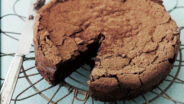 Čokoladna torta sa lješnjacima