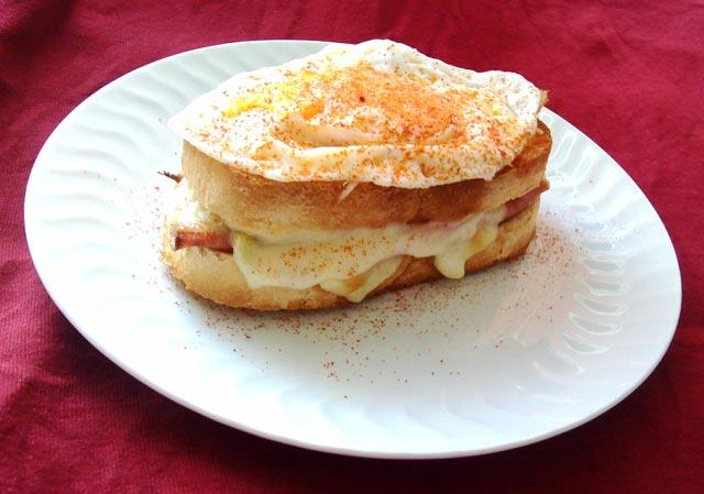 Beli sendviči
