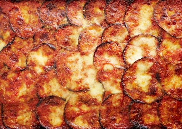 Zapečeni patlidžan sa mozzarellom