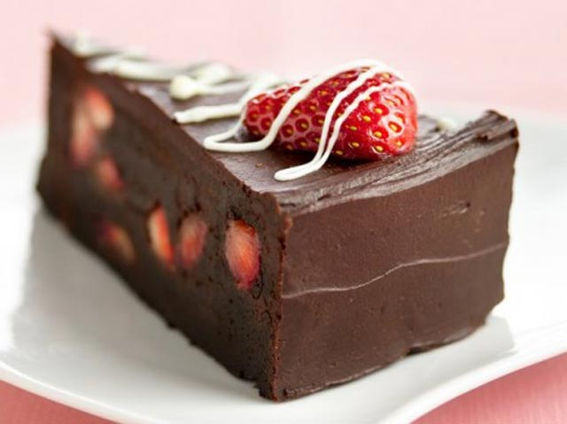 Čokoladna torta sa jagodama