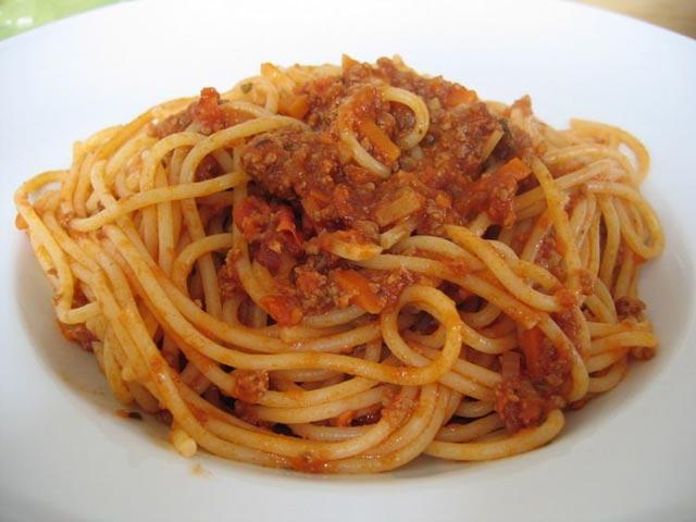 Špagete sa bolonjez sosom