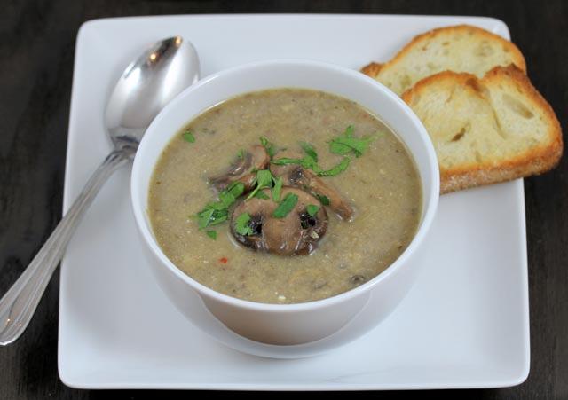 Supa sa piletinom i gljivama