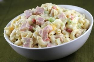 salata-sa-tjesteninom-i-sunkom1