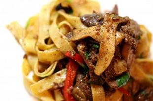 tjestenina-sa-govedinom-paprikama-i-gljivama1