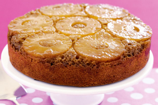 Naopaka torta sa ananasom