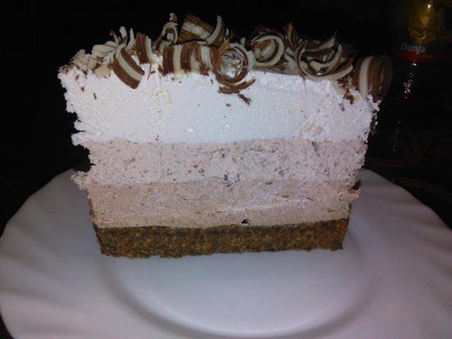Tri kolore torta